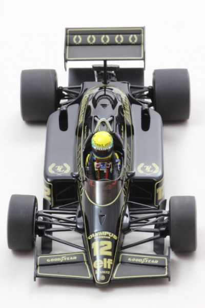 Modellauto John Player Special Team Lotus Type 97T Senna 1:18