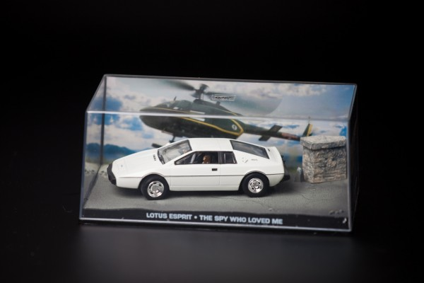Modellauto Lotus Esprit S1 James Bond 1:43